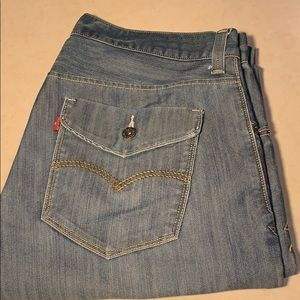 Men Levi Jean size 34x32 style 514
